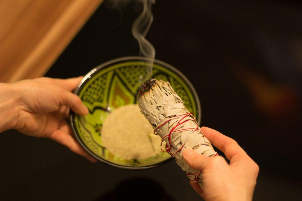 Feng Shui Clearing-Räucher-Ritual