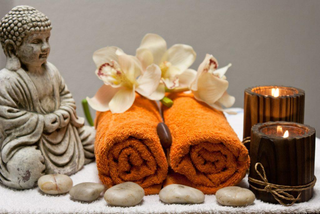 Feng Shui Badezimmer Handtücher gerollt