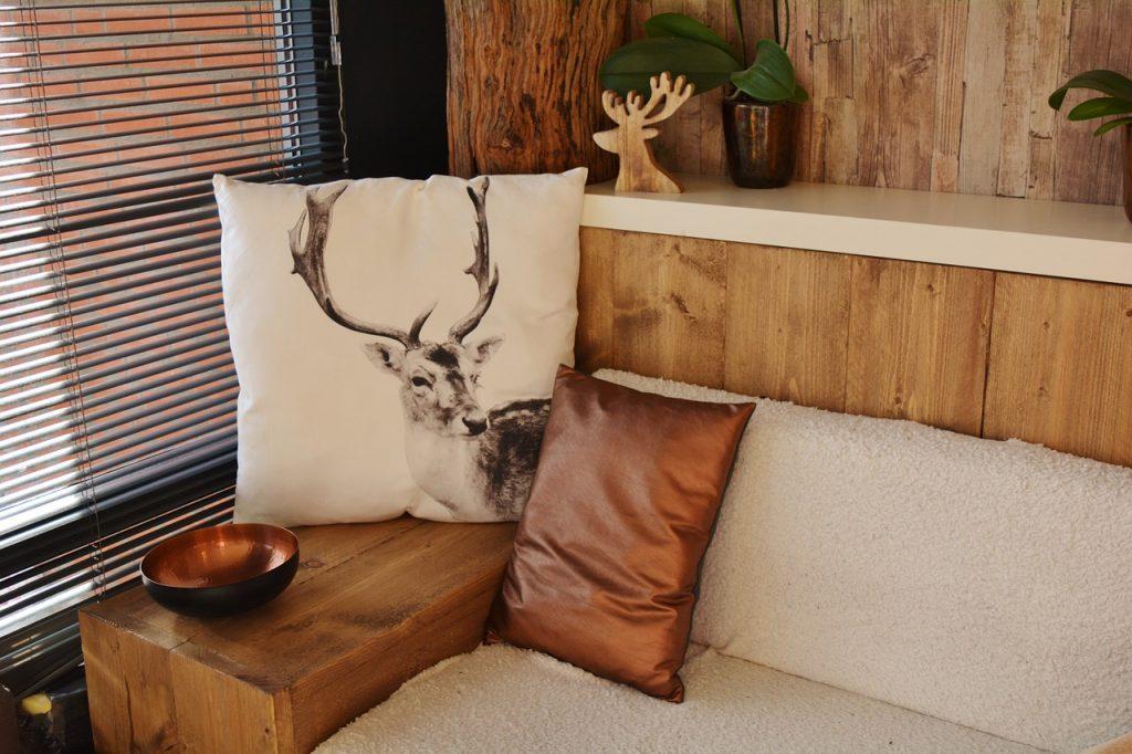 wohlfühlende Sitzecke im Feng Shui Tiny-House